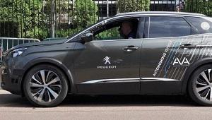 Sur l'A10, vous serez bientôt doublé par une Peugeot 3008 en mode «voiture autonome»